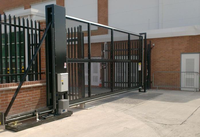 automatic-sliding-gate-designed-in-britain