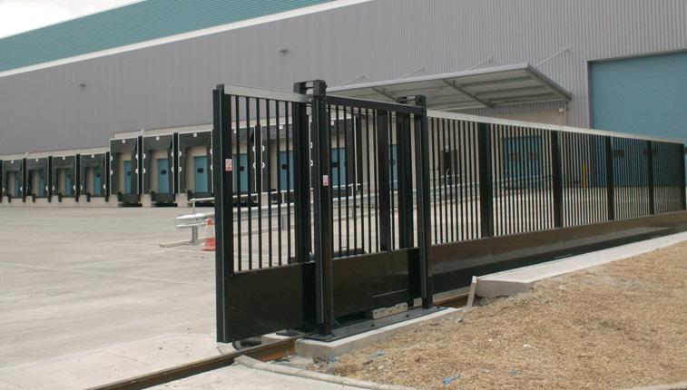 manual-sliding-gate-designed-in-britain